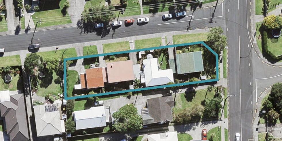 4/2 Tiri Tiri Road, Birkdale, Auckland