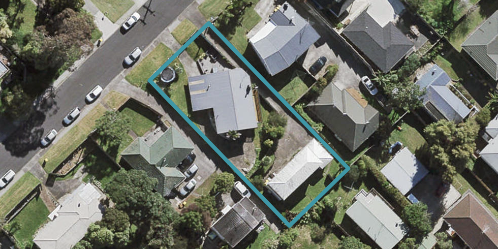 2/5 Bruce Road, Glenfield, Auckland