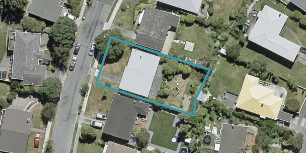 8 Fitzwilliam Terrace, Tawa, Wellington