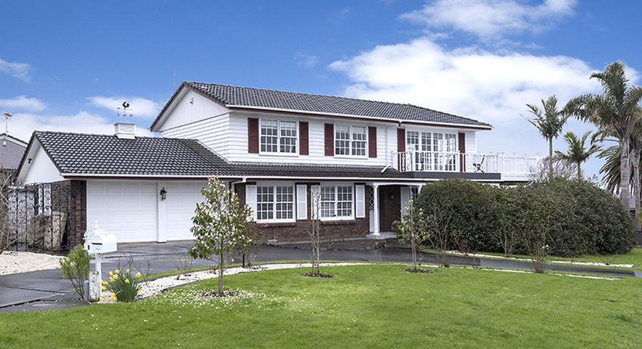 1 Coquille Place, Half Moon Bay, Auckland