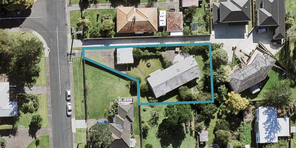 1/811A Te Atatu Road, Te Atatu Peninsula, Auckland