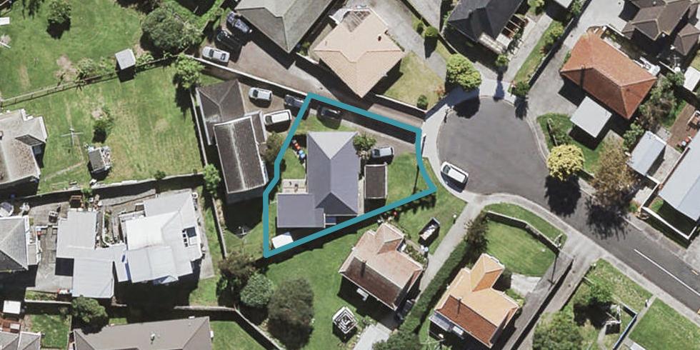 8 Cullen Avenue, Mount Roskill, Auckland