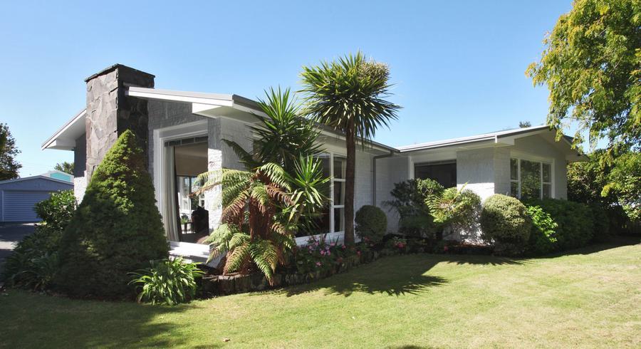 296 Memorial Avenue, Burnside, Christchurch