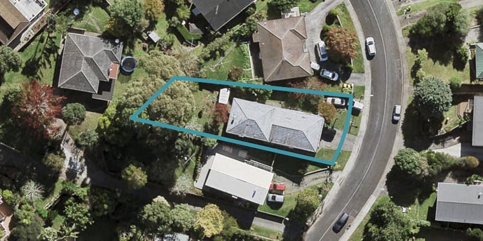 2/54 Ayton Drive, Totara Vale, Auckland