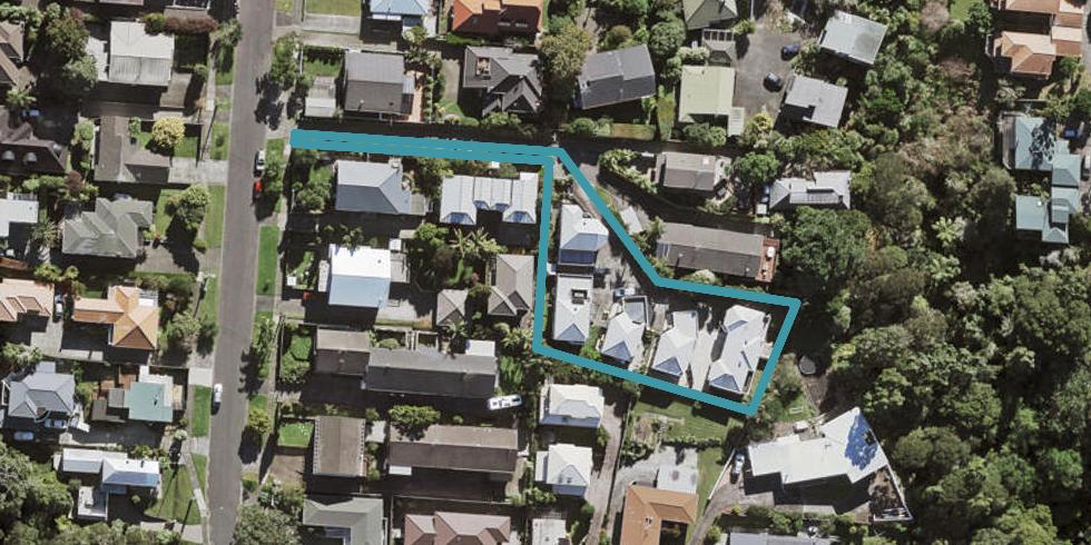 4/12 Wernham Place, Northcote, Auckland