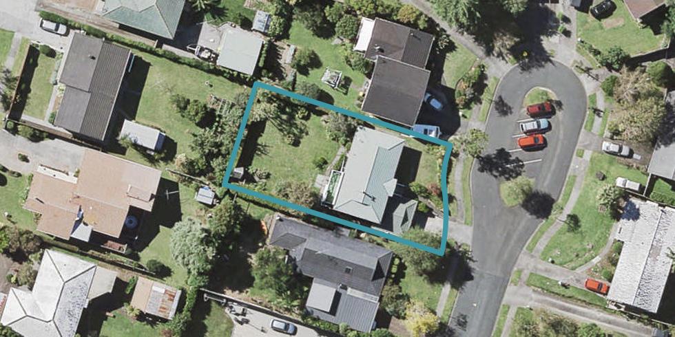 12 Baringa Place, Botany Downs, Auckland