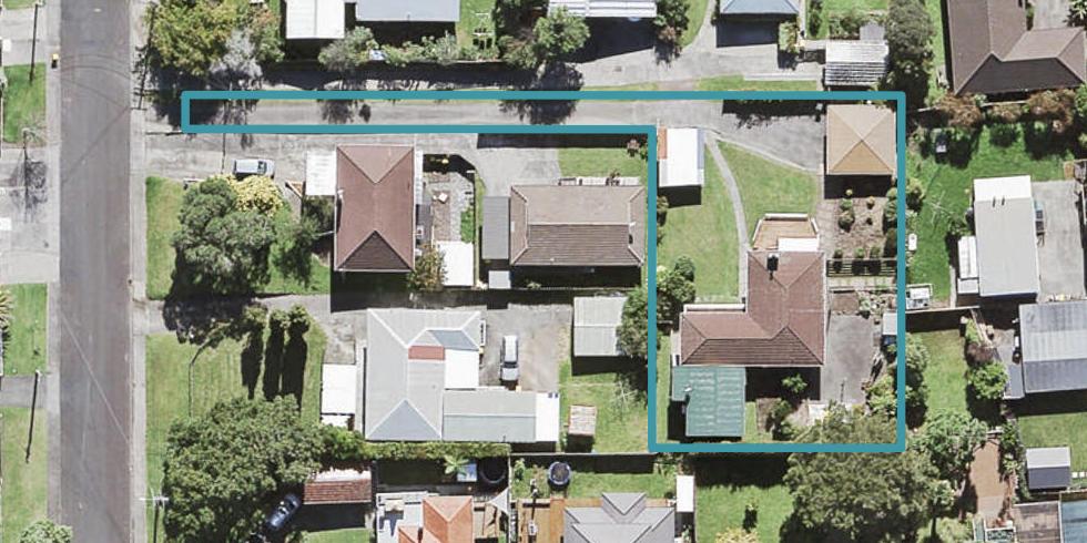 10A Bishop Street, Green Bay, Auckland