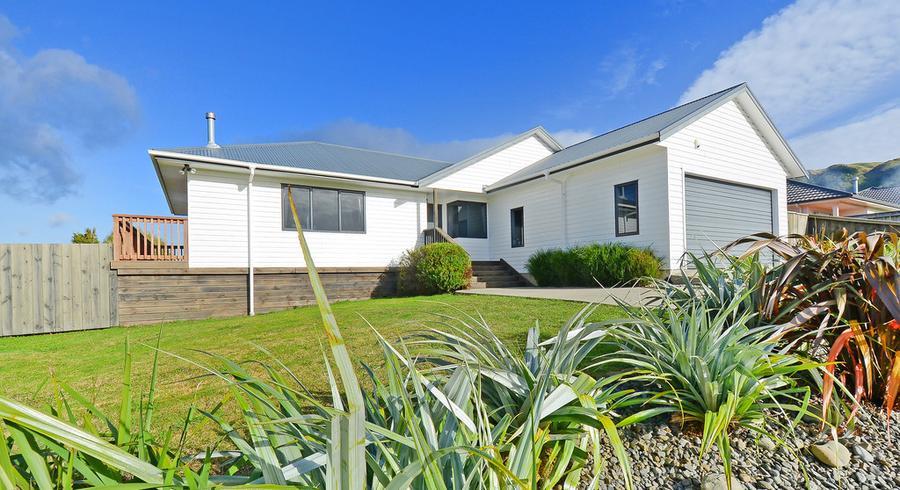 102 Kirton Drive, Riverstone Terraces, Upper Hutt