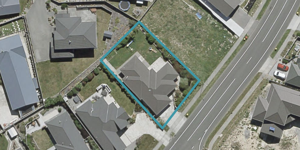 160 Woodman Drive, Tawa, Wellington