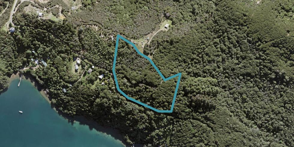 211 Kaiaraara Bay Road, Great Barrier Island
