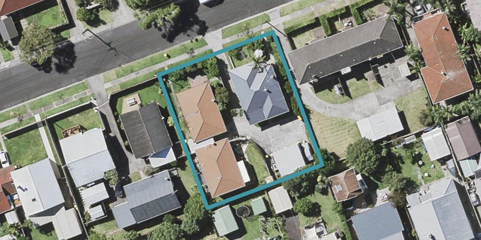 2/8 Corrella Road, Belmont, Auckland