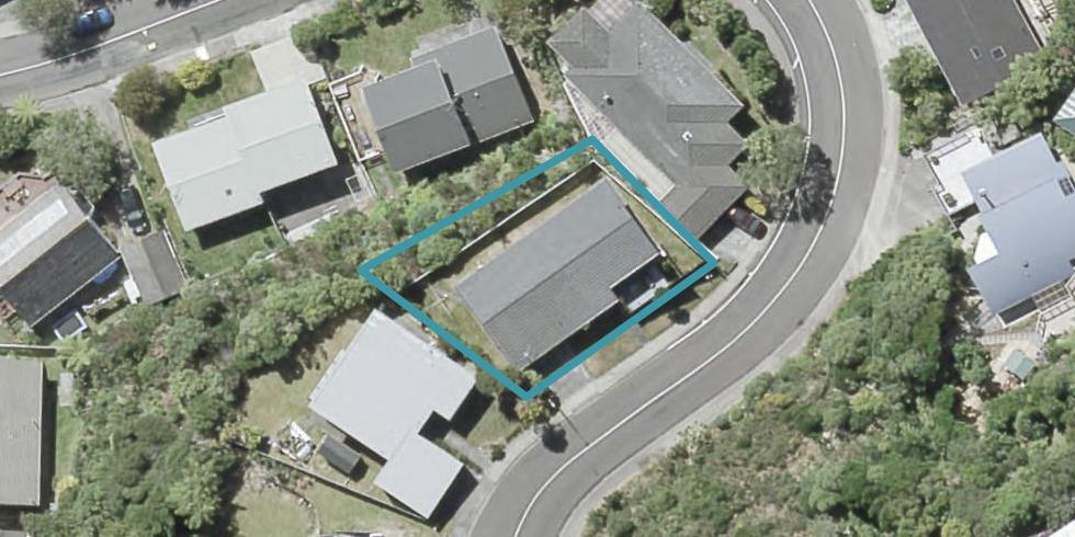 16 Woodhouse Avenue, Karori, Wellington