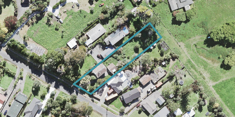 16 Grassmere Road, Henderson Valley, Auckland