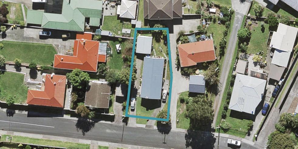 63 Longburn Road, Henderson, Auckland