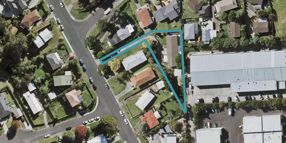 2/38 Cheval Drive, Totara Vale, Auckland