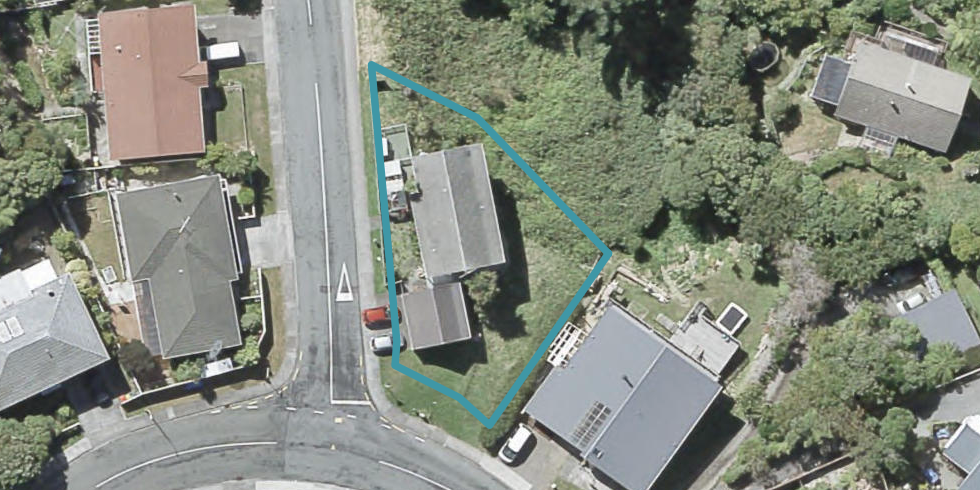 2 Paddington Grove, Karori, Wellington