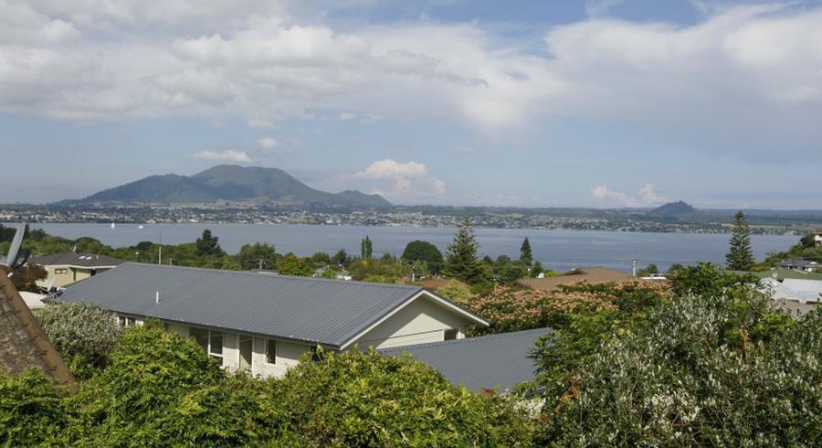 7 Silich Street, Acacia Bay, Taupo