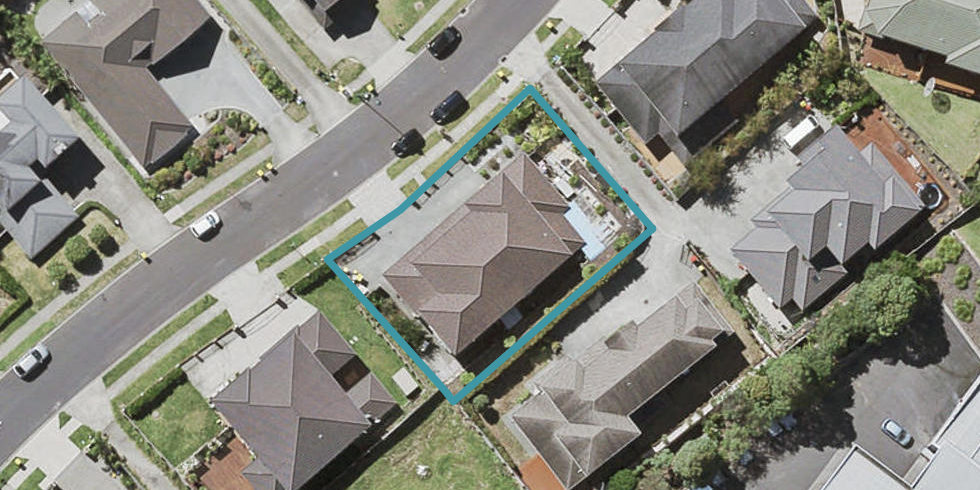 9 Ballymore Drive, Pinehill, Auckland