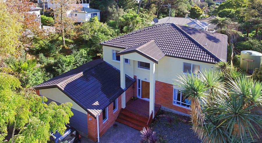 21A Pavola Grove, Glenfield, Auckland