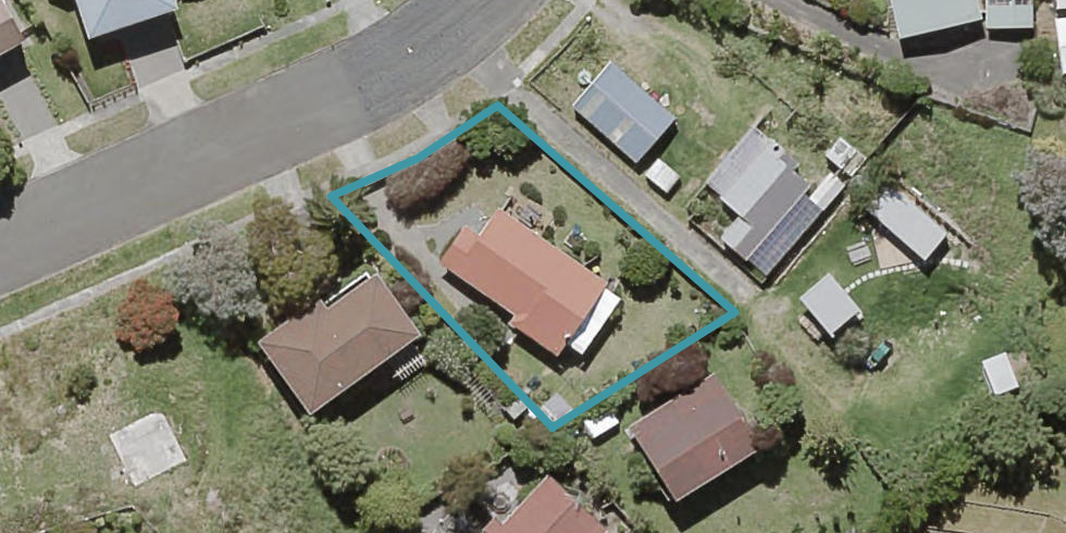 35 Hicks Crescent, Waikanae Beach, Waikanae