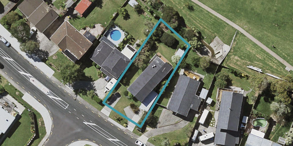 132 Sycamore Drive, Sunnynook, Auckland