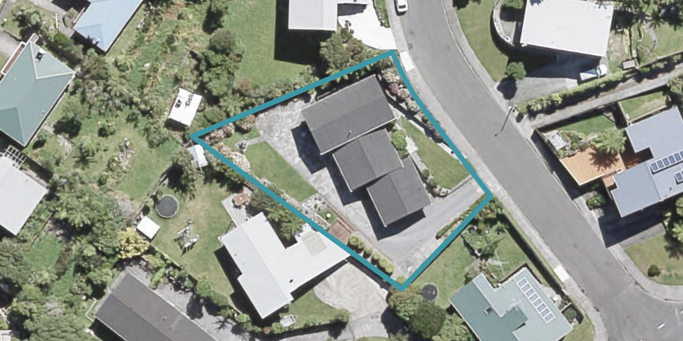 2 Honeysuckle Grove, Maungaraki, Lower Hutt