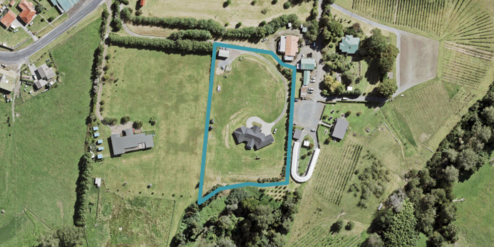4 Holdens Road, Henderson, Auckland