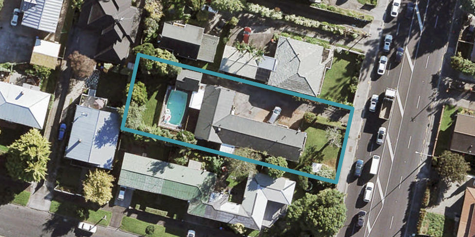 2/1569 Great North Road, Waterview, Auckland
