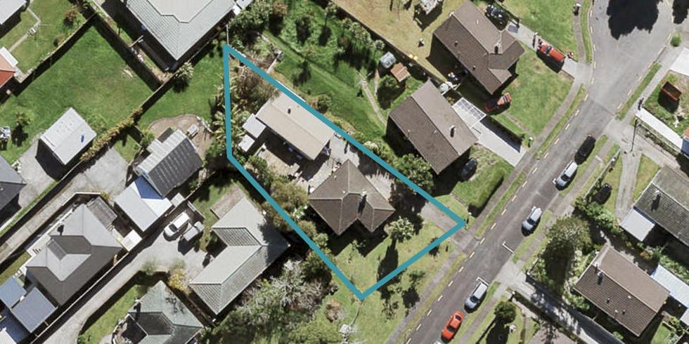 4 Gwendoline Avenue, Te Atatu Peninsula, Auckland