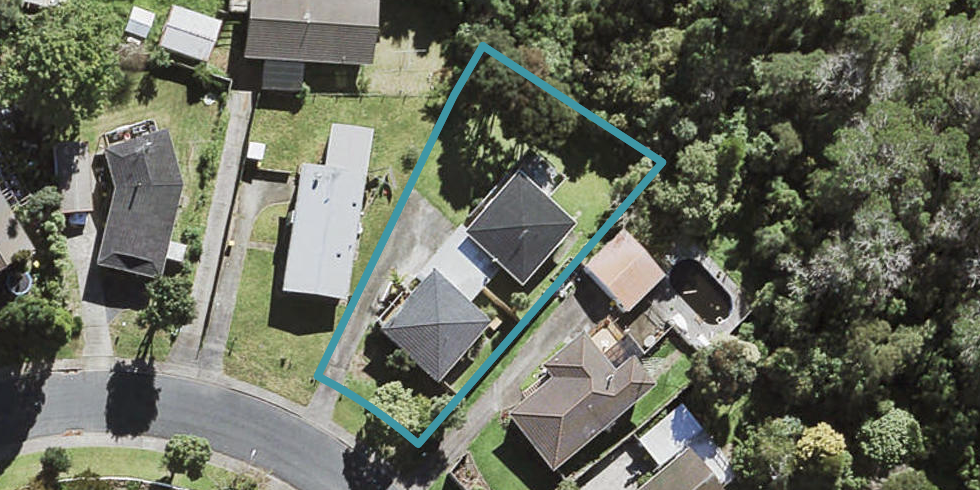 2/26 Glastron Place, Bayview, Auckland