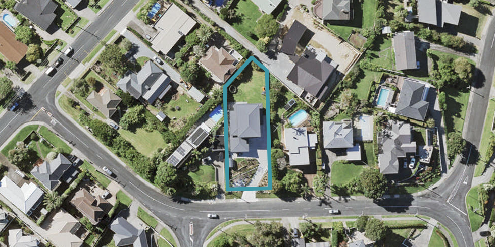 12 Churchill Road, Cockle Bay, Auckland