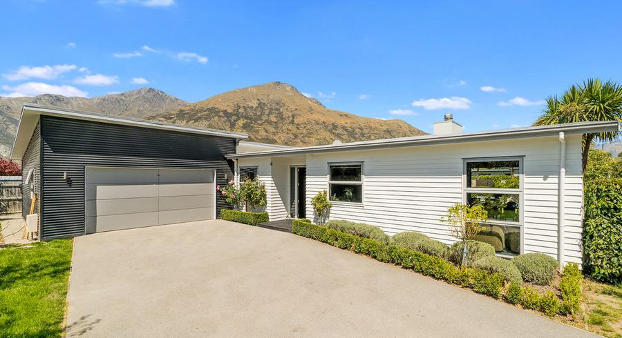 1 Orbell Drive, Lake Hayes Estate