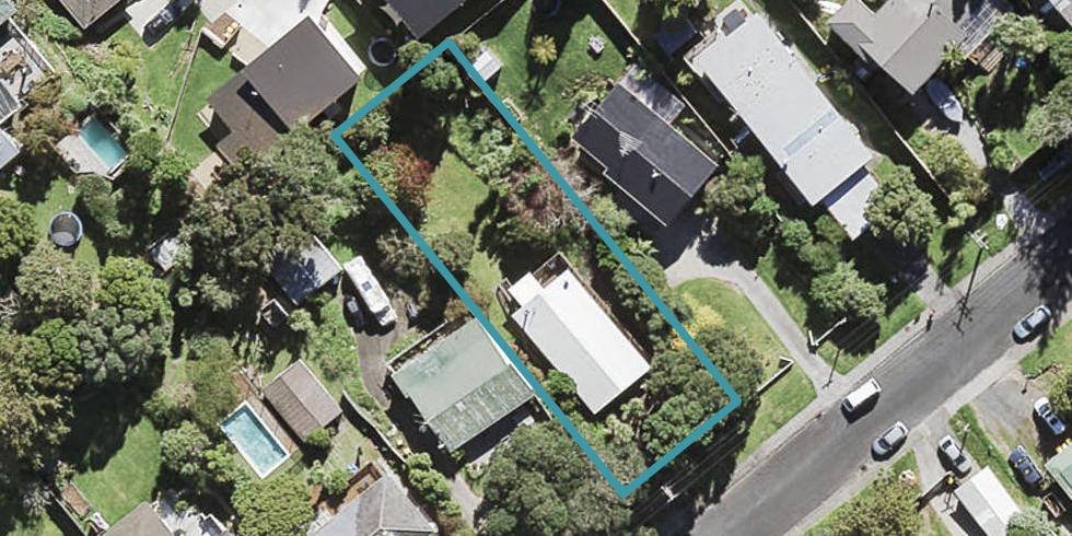 11 Neptune Avenue, Beach Haven, Auckland