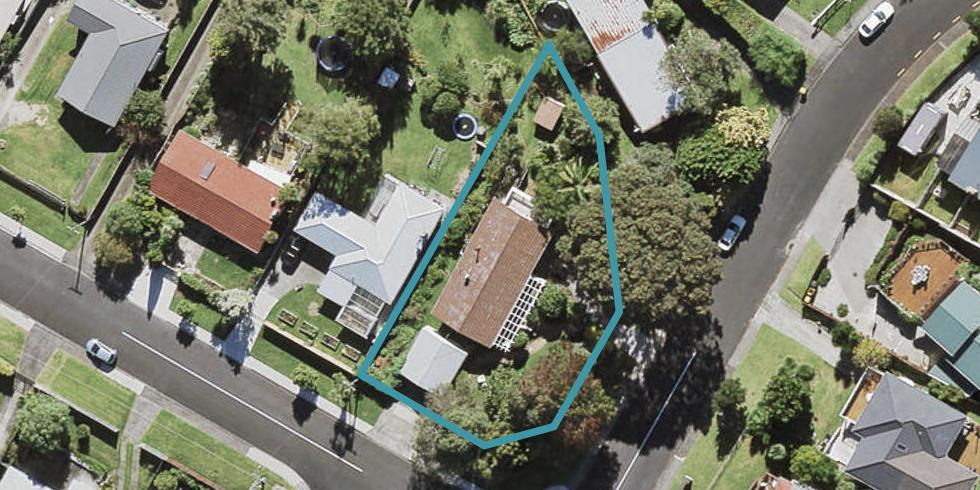 2 Noall Street, Te Atatu Peninsula, Auckland