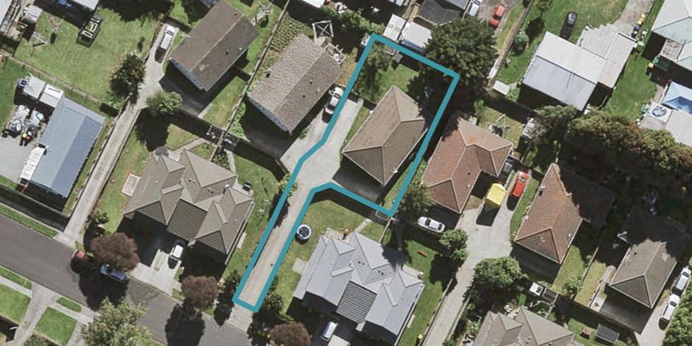 8A Lavinia Crescent, Mangere East, Auckland