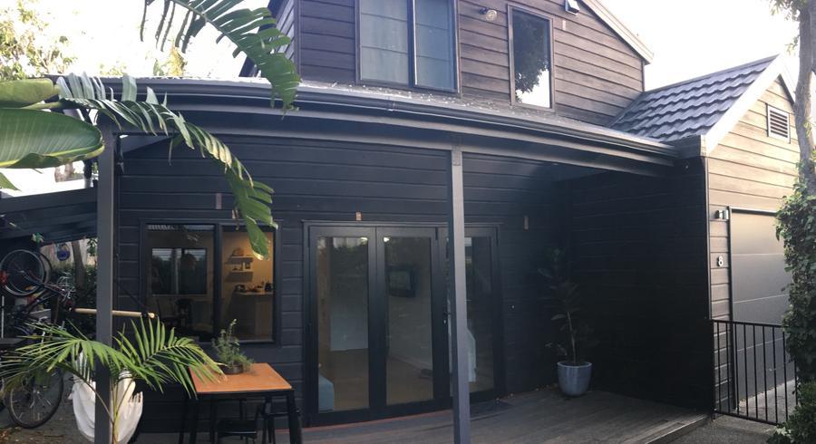 8 Raymond Street, Point Chevalier, Auckland