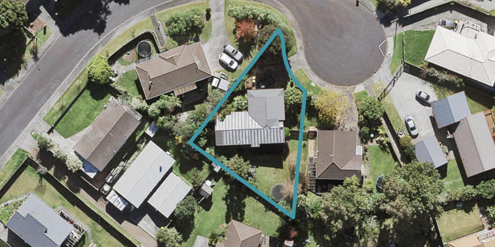 17 Madigan Place, Glendene, Auckland
