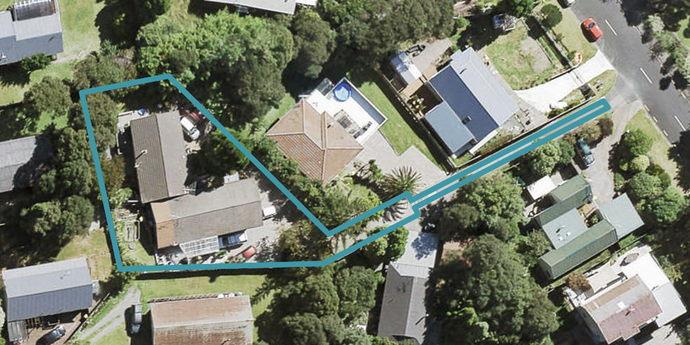 1/13 Wirihana Road, Titirangi, Auckland