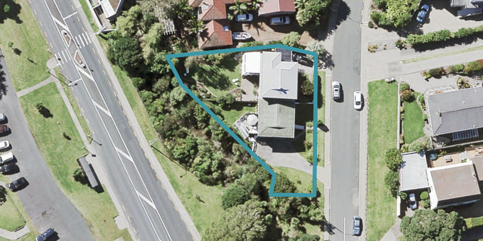 1/2 Huntly Road, Campbells Bay, Auckland