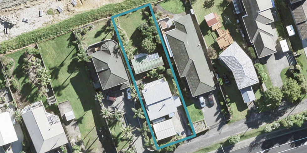 94 Whangaparaoa Road, Red Beach