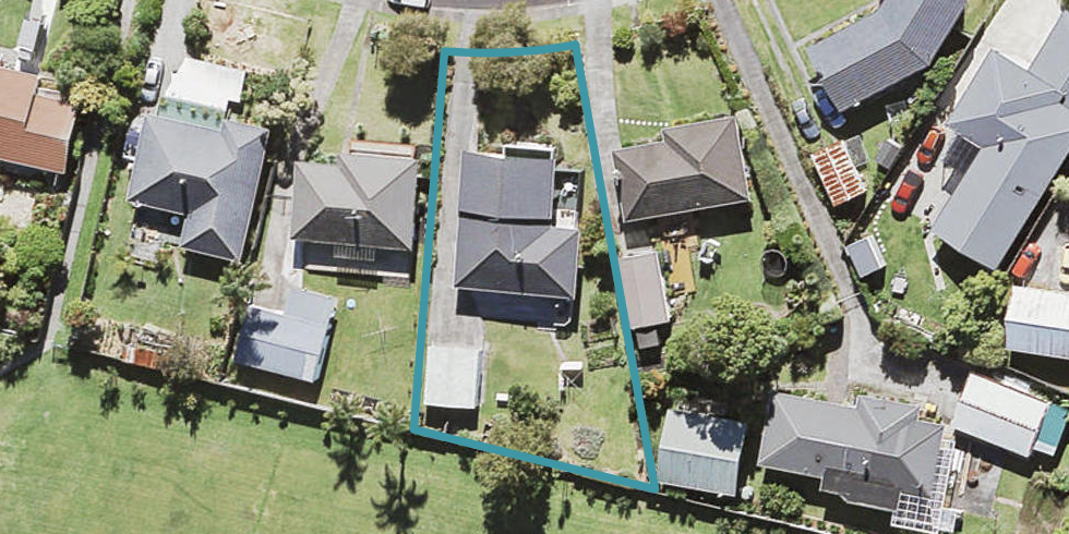 7 Cajero Place, Green Bay, Auckland