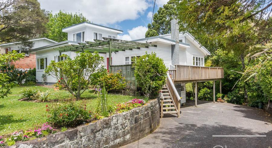 8 Tawini Road, Titirangi, Auckland
