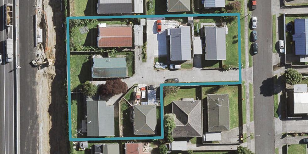 2/25 Solveig Place, Randwick Park, Auckland
