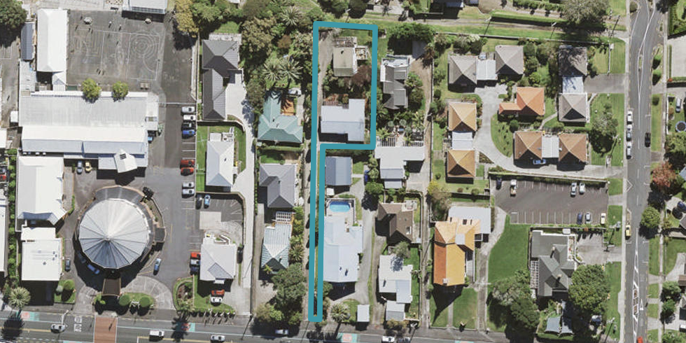 2/105 Onewa Road, Northcote, Auckland