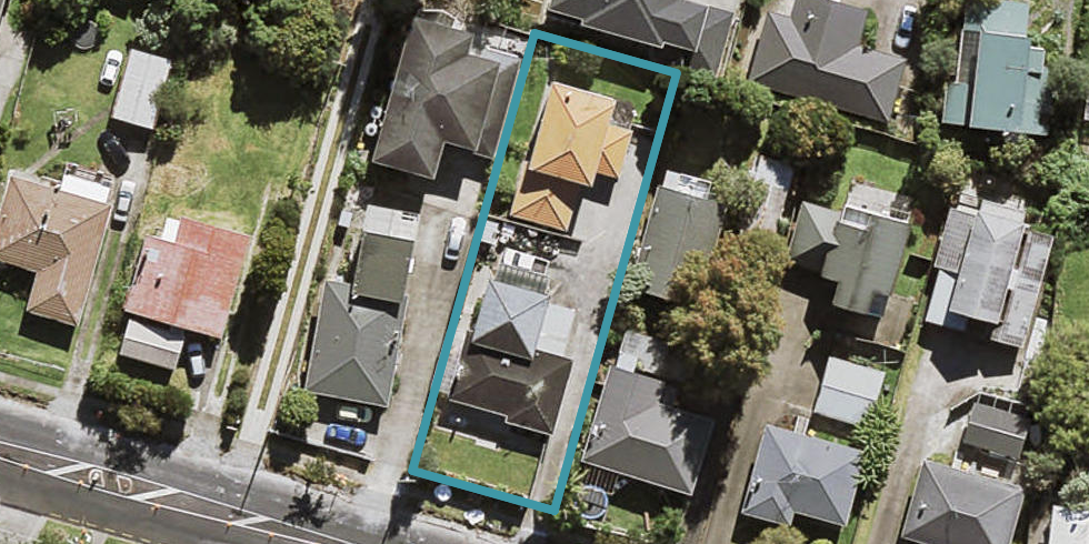 1/9 Raleigh Road, Northcote, Auckland