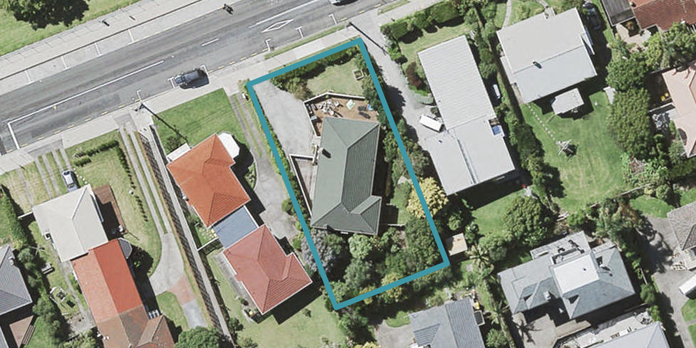 13 Winscombe Street, Belmont, Auckland