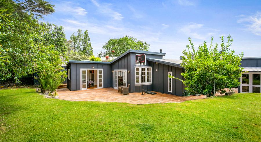 96 Godley Road, Green Bay, Auckland