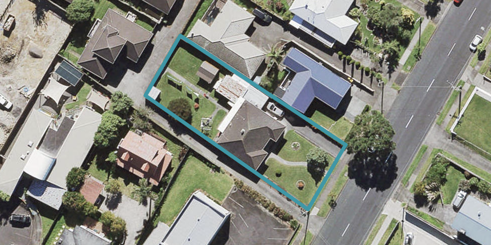 6 Mcleod Road, Henderson, Auckland