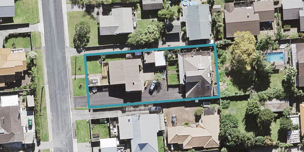 2/8 Cleve Road, Green Bay, Auckland