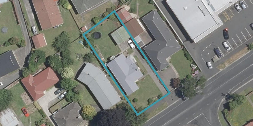 297 Clarkin Road, Fairfield, Hamilton